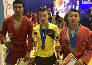 Чемпионы по боевому самбо