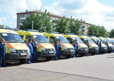 Медицинским работникам Акмолинской области вручены награды, машины скорой помощи и жилищные сертификаты