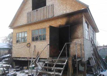 Из горящей дачи в Кокшетау огнеборцы спасли мужчину