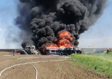 В Акмолинской области огнеборцы потушили возгорание бензовоза